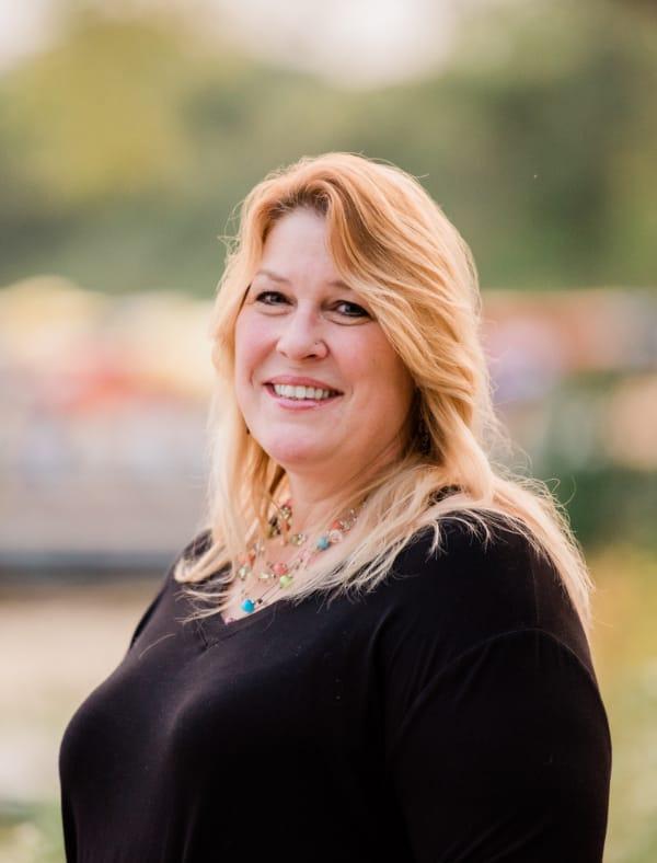 Julie Hustad